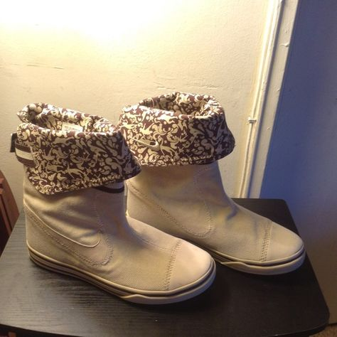 UGG Australia Women's Cassidee Boot hot sale