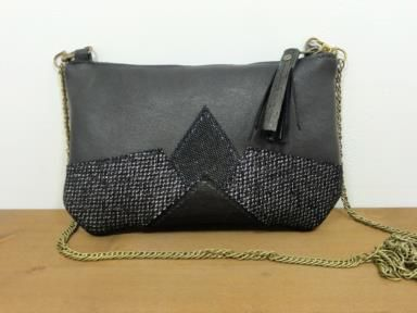 Portefeuille femme original, en cuir violet et argenté
