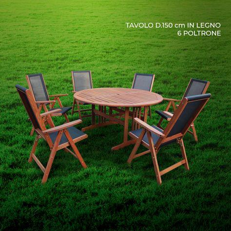 Poltrone Da Giardino Legno.Tavolo In Legno Con Sei Poltrone Pronti A Ricevere Gli Amici
