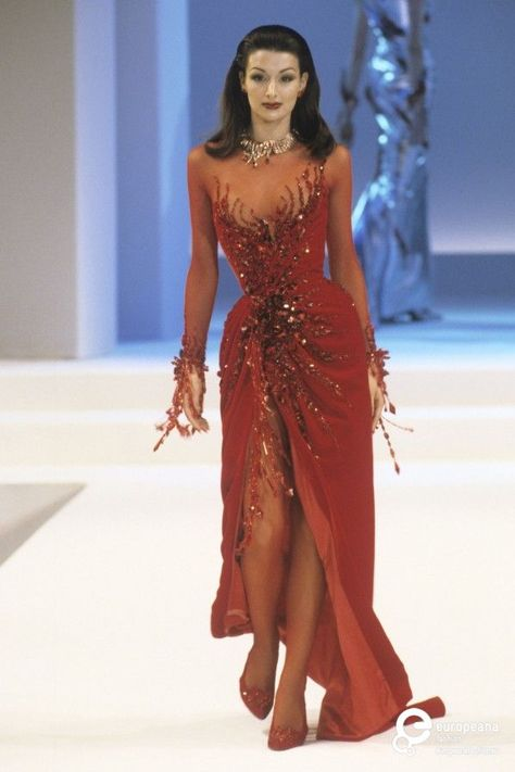 Haute Couture fall winter Fashion show In Paris France On July 15 1999 Thierry Mugler