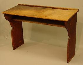 PRIMITIVE SCHOOL DESK. Pine with the ori : Lot 192