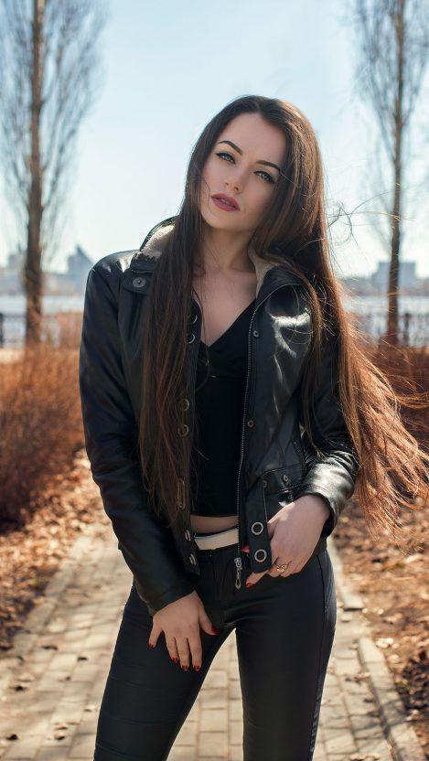 Hot Beautiful Lady In Black Iphone Wallpaper Iphone