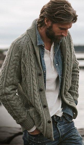 Such a great look. White henley denim shirt sweater and the bear Männerkleidung Look Fashion, Autumn Fashion, Fashion Outfits, Fashion Trends, Fashion Ideas, Fashion Shoes, Fashion 2016, Fashion For Men, Mens Outdoor Fashion