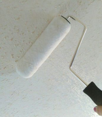 Cleaning Popcorn Ceilings The Easy Way Ceiling Texture Covering Popcorn Ceiling Painting Popcorn Ceiling