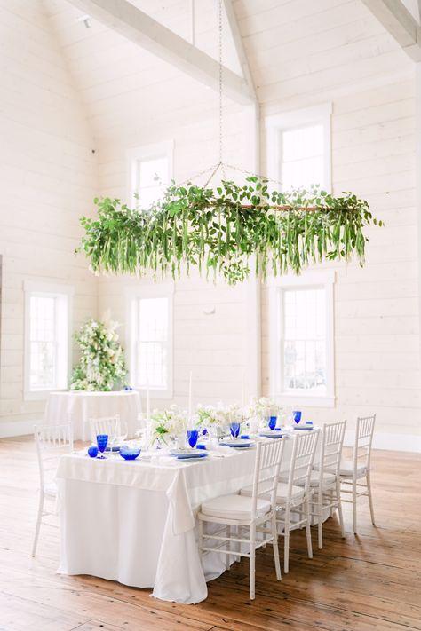 Dream table decor. @blueweddingideas #whiteweddingideas #greenery