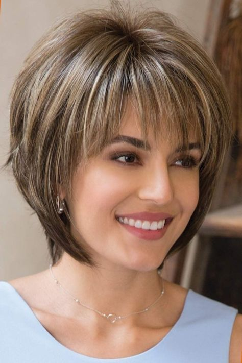 Colorful short hairstyles - 15 unique hair colors - Top Trends Short Bobs Haircuts Look Sexy and Charming! Modern Short Hairstyles, Short Hairstyles For Thick Hair, Short Layered Haircuts, Layered Bob Hairstyles, Haircut For Thick Hair, Short Hair With Layers, Short Hair Cuts For Women, Popular Hairstyles, Stacked Haircuts