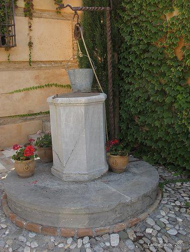 Brocal High Walls Outdoor Decor Fountain