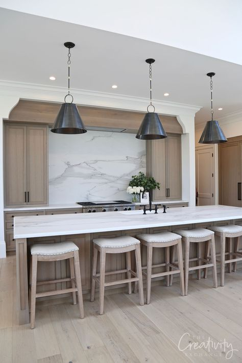 See our recap of beautiful homes from the 2019 UV Parade of Homes for fresh design ideas and home building inspiration. Home Design, Layout Design, Booth Design, Cabinet Paint Colors, Staining Cabinets, Wood Cabinets, New Home Construction, Parade Of Homes, Paint Colors For Home