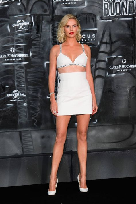 02becb7fb9 See Charlize Theron s Jaw-Dropping Look at the Premiere of Atomic Blonde