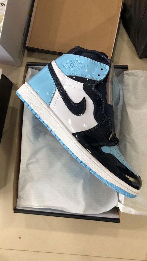 Air Jordan 1 Retro High UNC Chill Blue
