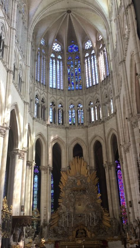 The Amiens cathedral, a gothic masterpiece