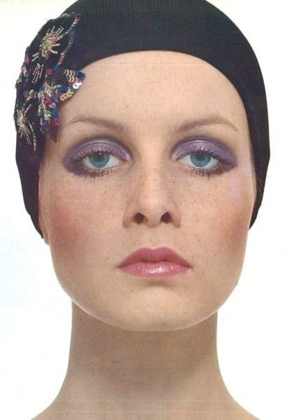 Purple Eyeshadow - Rare and Fabulous Photos of Twiggy - Photos