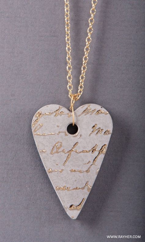Heartful pendant made of Rayher jewelry concrete