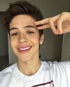 """225.3 mil curtidas, 5,782 comentários - João Guilherme 🅰️➕ (@joaoguilherme) no Instagram: """"aeee gente bonita do meu instagram!!!! hoje lançou minha música nova"""