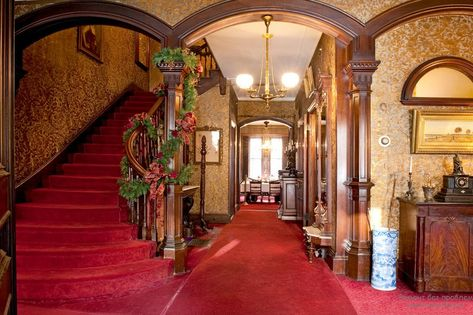 Красный цвет в интерьере   Викторианский дом ...