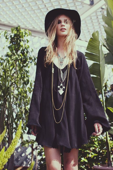 This is what I mean by Dark Boho. It has the nature of Bohemian, except dark! I can't say I don't wish my whole wardrobe was black haha