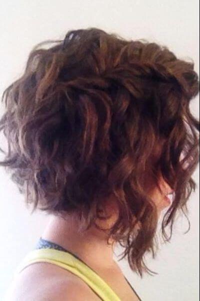 Asymmetrical Angled Bob For Wavy Hair Con Imagenes Peinados