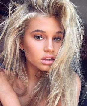 The Best Makeup For The Beach That Won T Look Greasy Society19 In 2020 Beach Makeup Summer Makeup Looks Blonde Hair Makeup