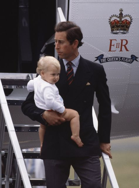 Prince William traveling with his dad to Scotland 1983 (Prince Charles was HOTT).
