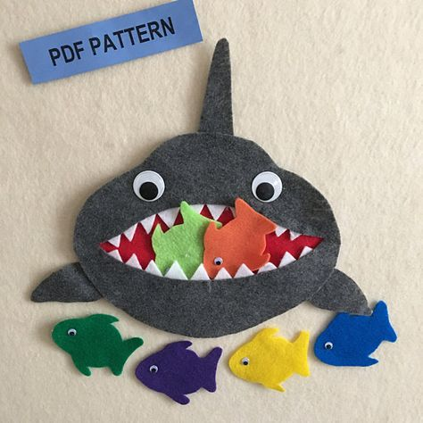 5 Little Fishes Teasing Mr Shark Learn to Count and Name Flannel Board Stories, Felt Board Stories, Felt Stories, Flannel Boards, Learn To Count, Felt Quiet Books, Little Fish, Busy Book, Felt Toys