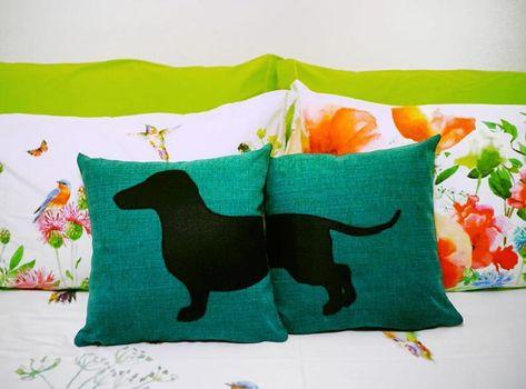 Set Cuscini.Personalized Dachshund Cushion Covers Beige And Dark Brown Dog