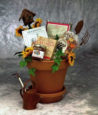 This 7 Inch Clay Pot Brings A Wooden Bird House, Miniature Garden Tools,  And Treats Of Great Summertime Taste! A Great Gift Basket For Her. A Unique  Mothers ...