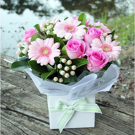 Pretty In Pink Boxed Flowers Flower Delivery Flowers For Everyone Flower Seeds