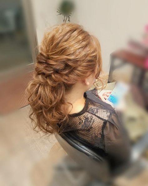 ポニーテール フェミニン ヘアアレンジ ミディアム Hair Salon Stella Mai 350893 Hair フェミニン ヘアアレンジ ヘアアレンジ ロング 結婚式 女の子のヘアカット