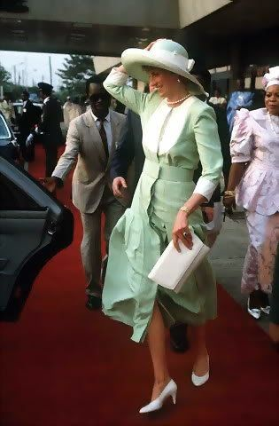 Diana wore a celadon-green straw hat designed by Philip Somerville on an official visit to Nigeria in March of 1990.
