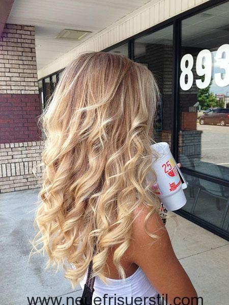 23 Lange Lockige Blonde Frisuren Haarfarbe Blond Lockige Frisuren Frisur Ideen