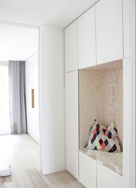 my scandinavian home: Making An Entrance: 10 Beautiful Scandinavian Inspired White and Wood Hallway Solutions