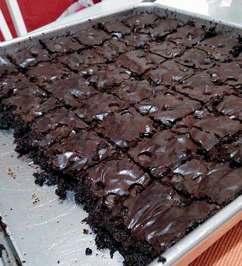 Resepi Brownies Kedut Chocolate Chips Bahan Bahan 130g Marjerin 450g Beryl S Dark Compound Chocolate 100g Tepung Penaik Blueke Kue Lezat Makanan Makanan Manis