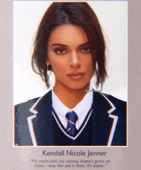 Private School Girl, Passport Pictures, I Hate School, High School, Girls Run The World, Savage Quotes, Yearbook Photos, Accesorios Casual, Kendall Jenner Style
