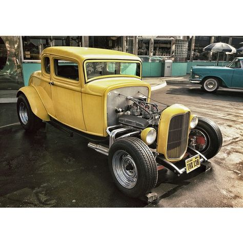 """Milner's '32 Deuce Coupe! アメリカン・グラフィティに出てくるジョン・ミルナーの車。 #AmericanGraffiti #universalstudio  #USJ #melsdrivein #Ford #DeuceCoupe #HotRod #アメリカングラフィティ…"""