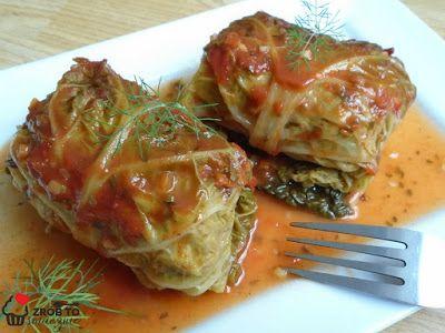 Zrob To Smacznie Pieczone W Piekarniku Golabki Z Kapusty Wloskiej W Sosie Pomidorowym Vegetables Food Cabbage