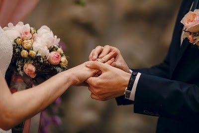 لتعرف أكثر عن كيفية إختيار زوجتك المستقبلية تفضل بقراءة المقال Kirchliche Hochzeit Hochzeit Intim