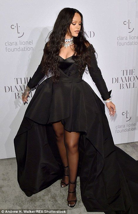 Rihanna in custom RALPH & RUSSO Rihanna attends the Annual Diamond Ball hosted by Rihanna and The Clara Lionel Foundation on September 2017 in New York City. Mode Rihanna, Rihanna Riri, Rihanna Style, Rihanna Black Dress, Rihanna Outfits, Looks Rihanna, Black Stockings, In Pantyhose, Queen