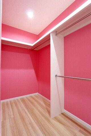 0435808fee2 ウォークイン クローゼット 収納 closet かわいい ピンク 壁紙 ㈱ウッディークラフト 中標津・釧路