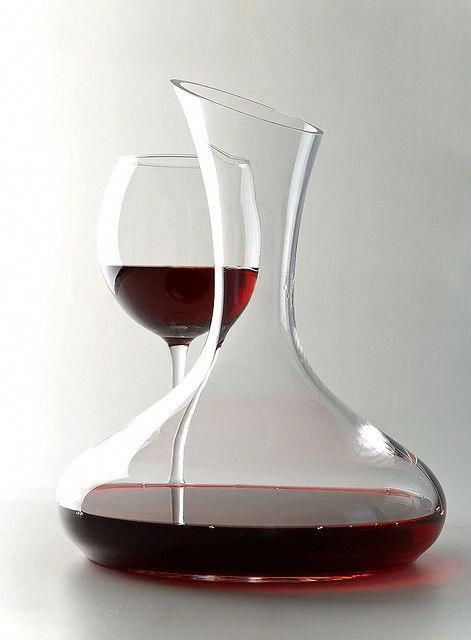 A Decanter And A Glass The Bent Stem Wine Decanter Wine Drinks Decanter