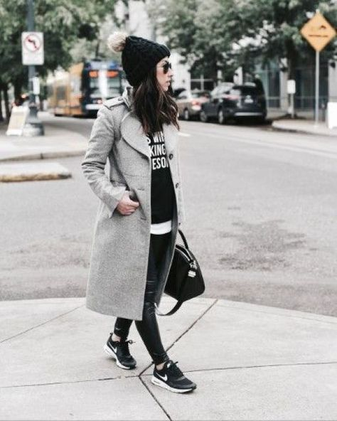 42 Winter Fashionable Outfits Ideas for Women - The Finest Feed