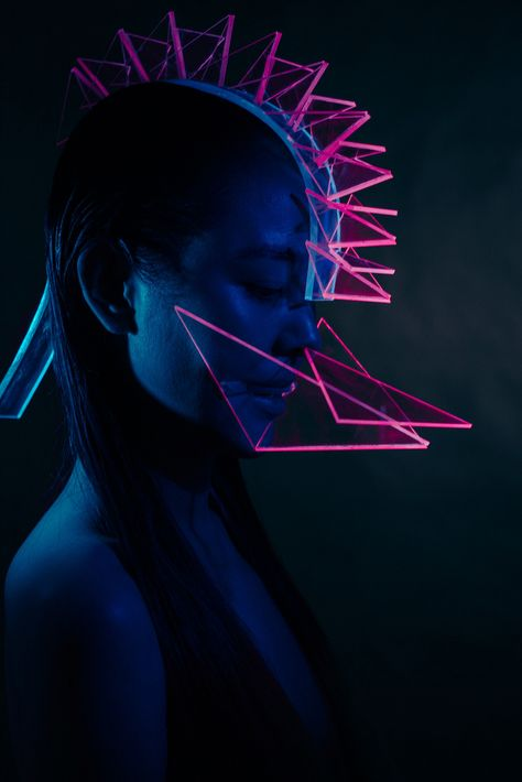 Neon. Computer Assisted Social Interaction Enhancer
