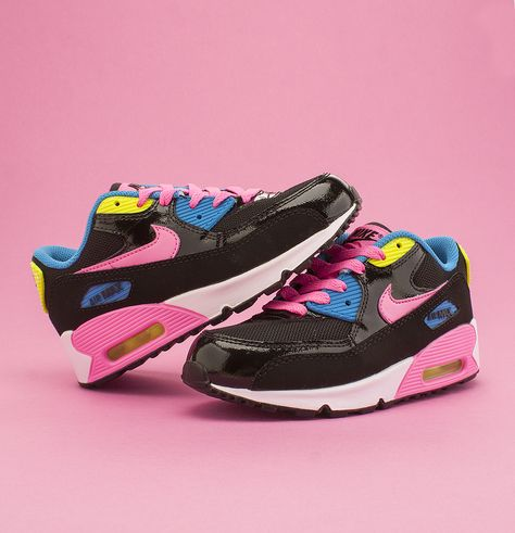 Some serious 90s stylin'! Loving the Nike Air Max 90 Mesh