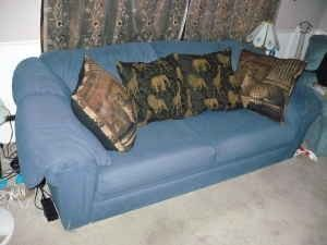 Very Comfy Alan White Couch Buyit And Get 2 Matching Lamps Free