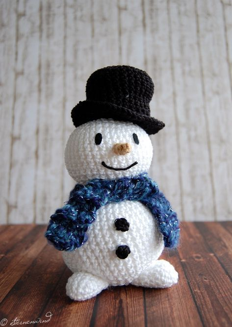 66 Free Crochet Snowman Patterns | AllFreeCrochet.com | 667x473