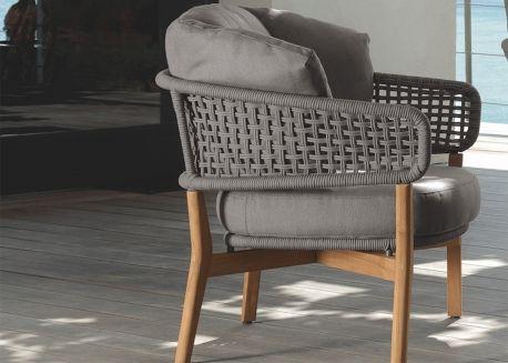 Fauteuil E Createur Italien Pour Terrasse Et Jardin Chez Ksl Living Fauteuil Design Fauteuil Design Italien Mobilier De Salon