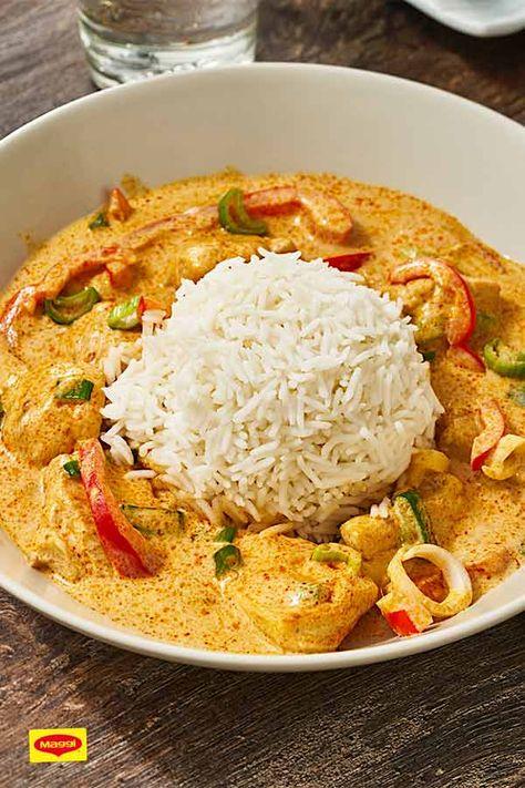 Tolles asiatisches Rezept mit Curry und Kokosmilch. Unsere Hähnchen-Pfanne mit Basmatireis und viel frischem Gemüse aus dem Kochstudio. #rezept #curry #kokosmilch #cocosmilch #kochen #lecker #diy #gemüse #basmati #reis