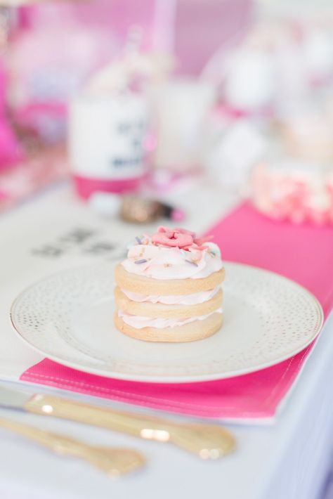 A mini cake that looks as easy as stacking biscuits with icing.  Who doesn't want a whole cake to themselves?!
