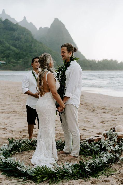 Kauai Wedding, Elope Wedding, Wedding Pics, Dream Wedding, Destination Wedding, Elopement Wedding, Wedding Ideas, Wedding Dresses, Elopement Dress