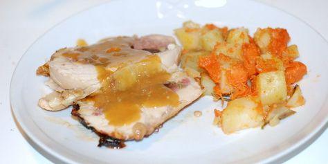 Pollo ripieno pancettato con gravy allo sciroppo d'acero