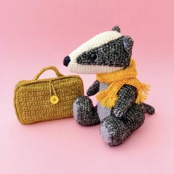 Baby Badger crochet pattern by Kate E Hancock (Inspiration only ... | 351x351